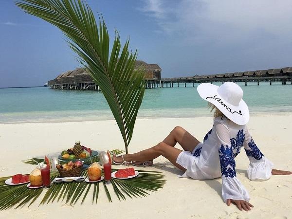 Яна Рудковская устроила по истине царский завтрак на пляже