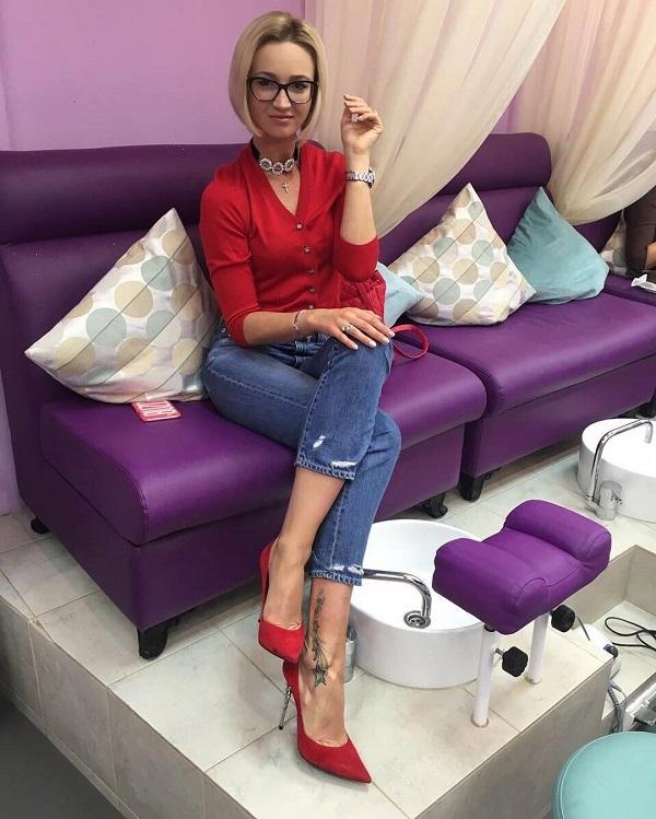 Ольга бузова на каблуках фото
