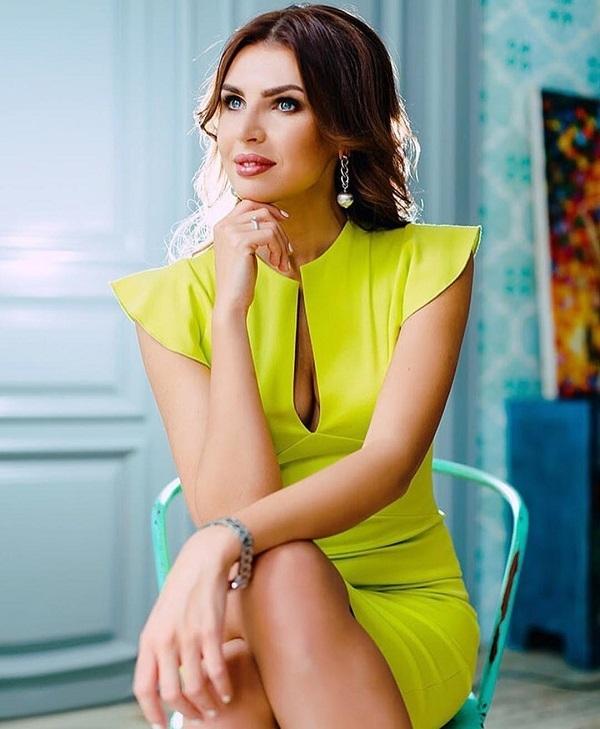 9094af48aef0 Элла Суханова из «Дома 2» находится на третьем месяце беременности
