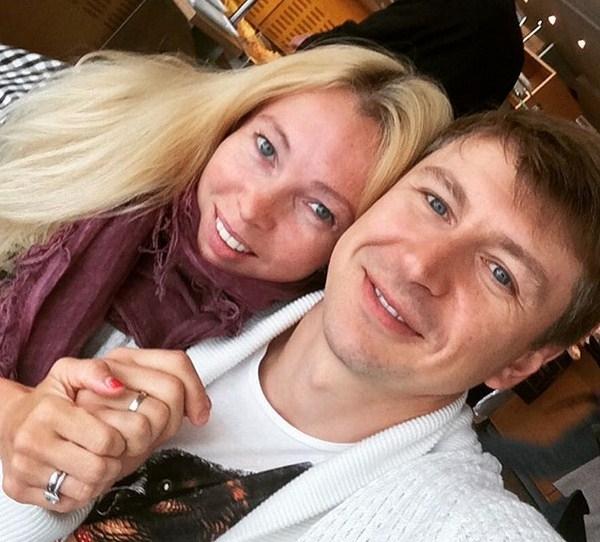 Татьяна Тотьмянина поделилась пикантным постельным фото с мужем