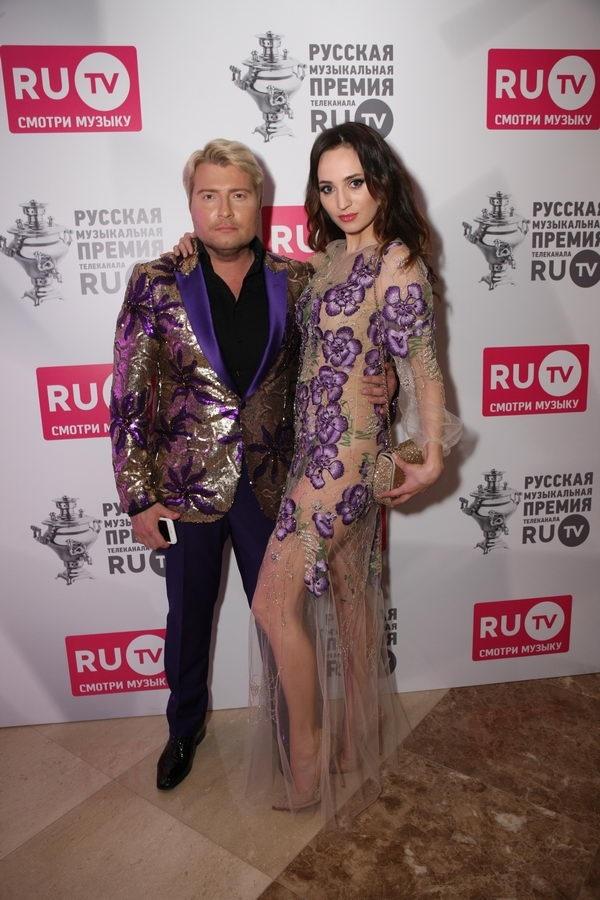Николай Басков обиделся на папарацци за плохие фотографии
