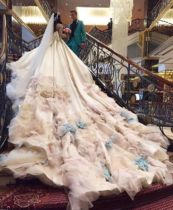 Фото ермолаевой в платье