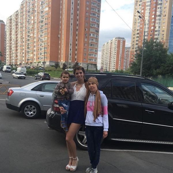 Алиана Гобозова отказывается помогать больной раком матери