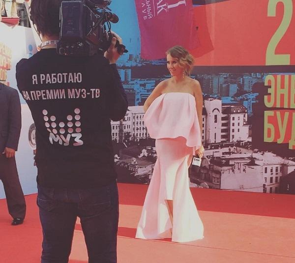 На вручении премий МУЗ ТВ Ксения Собчак не удержалась от пошлой шутки
