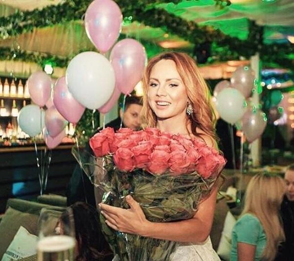 Певица МакSим показала первые фотографии с празднования дня рождения