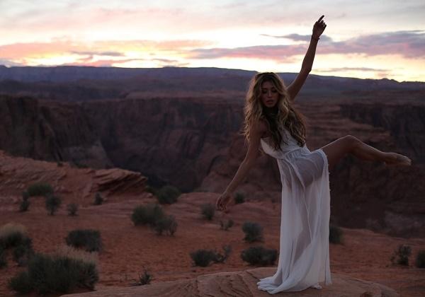Регина Тодоренко презентовала  эротическое видео на новую песню «Liverpool»