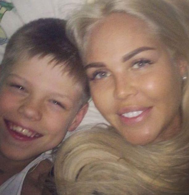 Марию Погребняк обвинили в излишнем позёрстве перед сыном в кровати (видео)