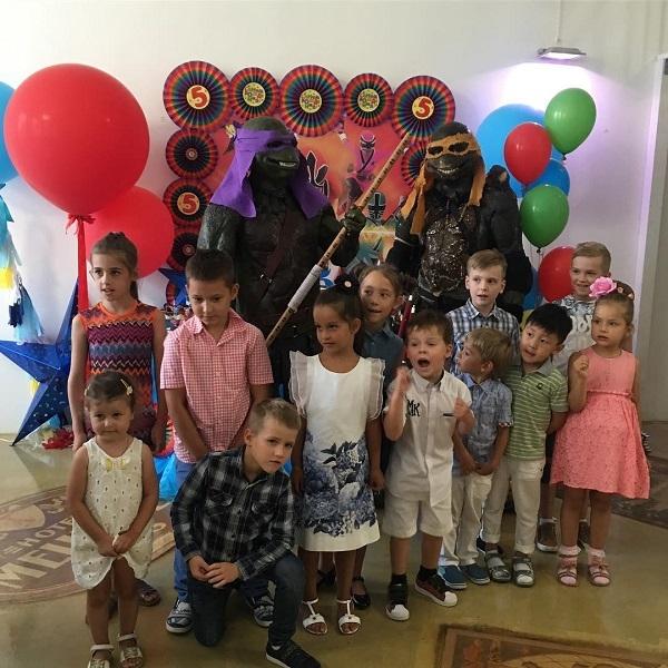 Ксения Бородина и Курбан Омаров впервые встретились после своего расставания на торжественном мероприятии семьи Пынзарь