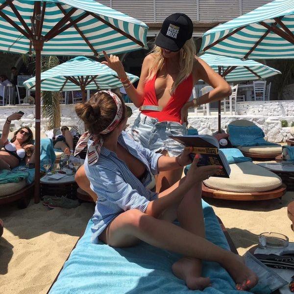 Виктория Лопырева поразила выбором мега-откровенного купальника