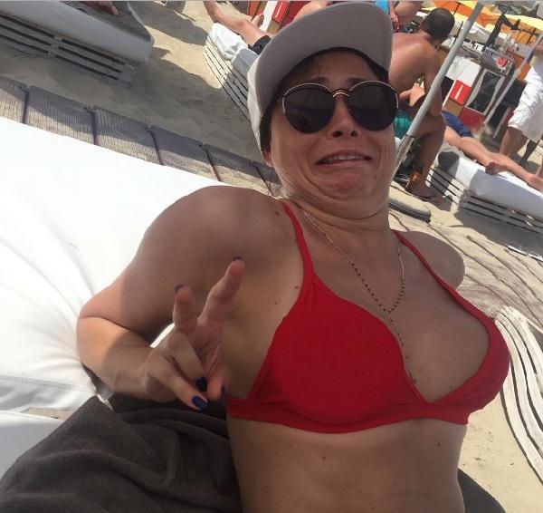 Наталья Рудова похвасталась купальником, больше похожим на нижнее бельё, а Настасья Самбурская постебалась над звездами инстаграма (видео)