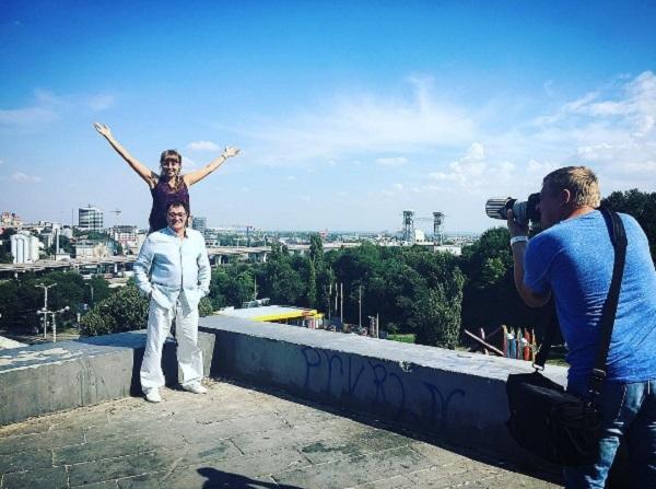 Молодая супруга Диброва сразила чувственными фото