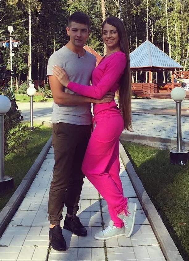 В Periscope Ольга Рапунцель рассказала, что расстаётся с Димой Дмитренко