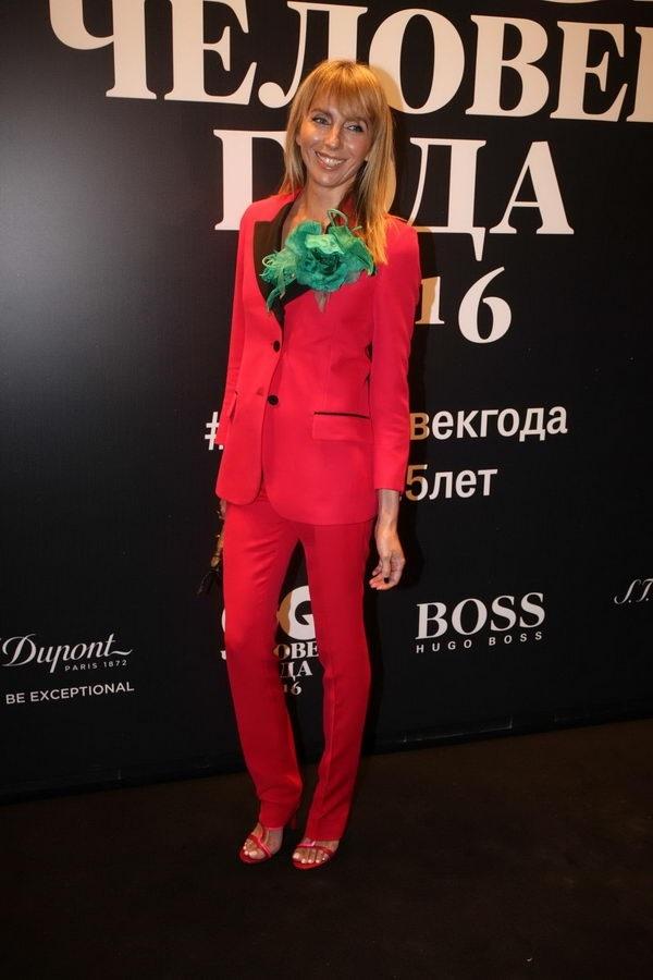 Светлана Бондарчук стала главной нарушительницей на церемонии GQ и устроила фотосессию в туалете
