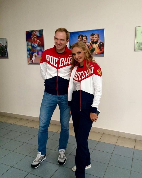 Татьяна Навка проводит свободное время с Андреем Бурковским