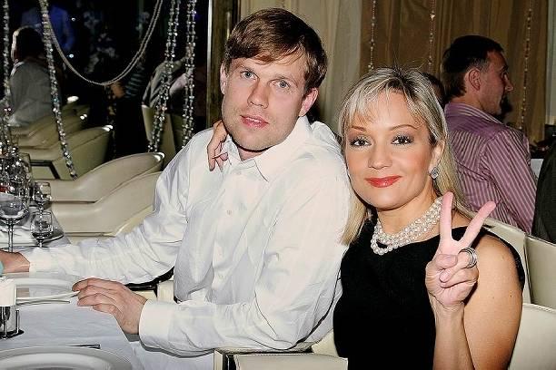 Владислав Радимов изменил Татьяне Булановой с её подругой