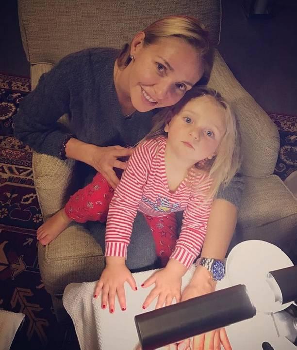Татьяна Навка похвасталась 2-летней дочкой