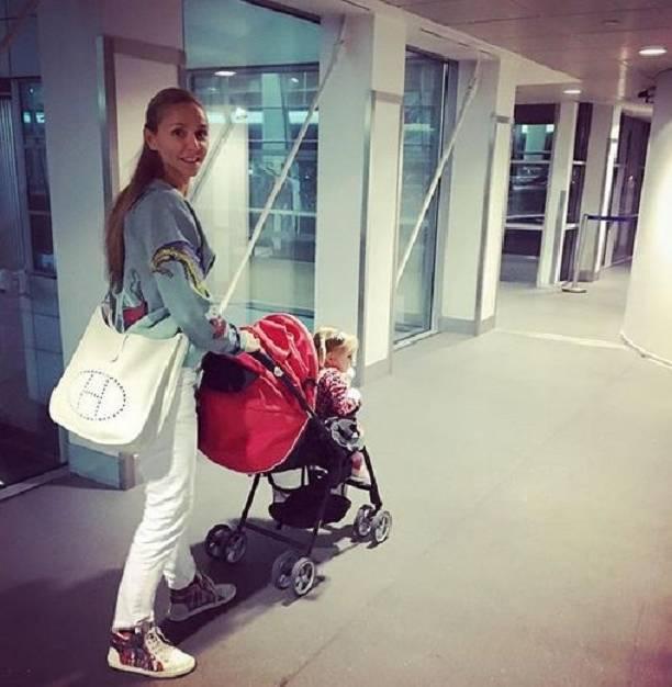 Татьяна Навка решила отдать дочь в школу талантов