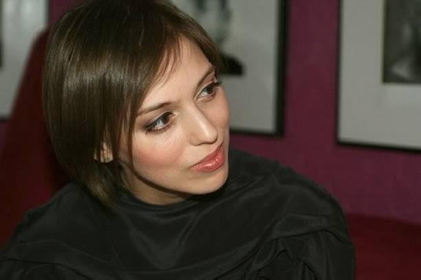 Звезда сериала «Неродись красивой» Нелли Уварова 2-ой раз стала мамой