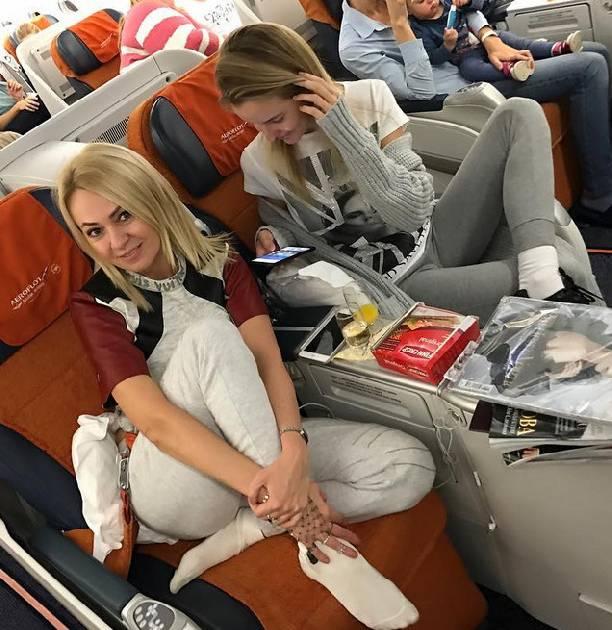 такого звезды в самолете фото фирма кенекси еще