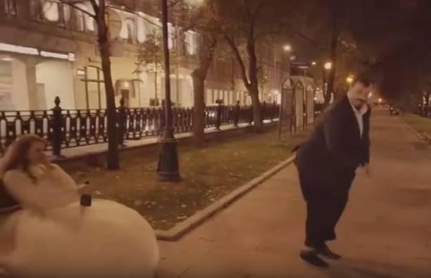 Опальный комментатор Василий Уткин стал звездой видео Человек – говно