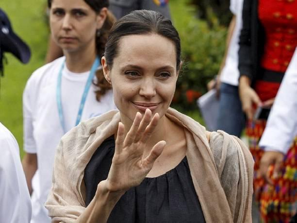 Анджелина Джоли продолжает терять вес из-за бракоразводного процесса