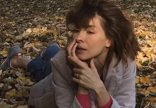 Елена Подкаминская опубликовала снимок в наряде женщины лёгкого поведения