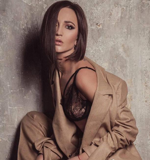 в нижнем белье фото жена