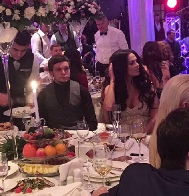 Антон Гусев иВиктория Романец пришли совместно насвадьбу Саши Кабаевой