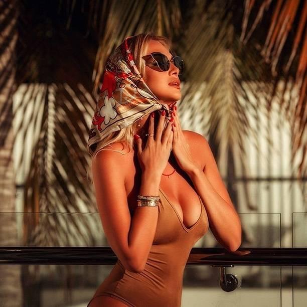Виктория Лопырева отправилась на Мальдивы с новым возлюбленным