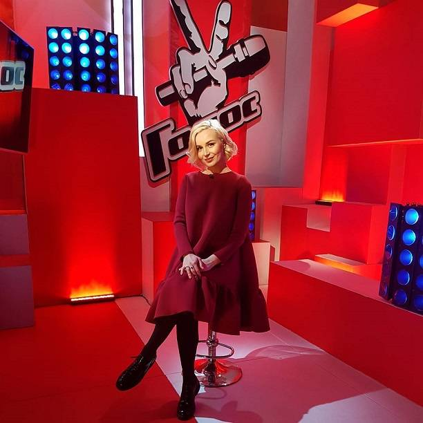 Полина Гагарина сообщила о собственной беременности