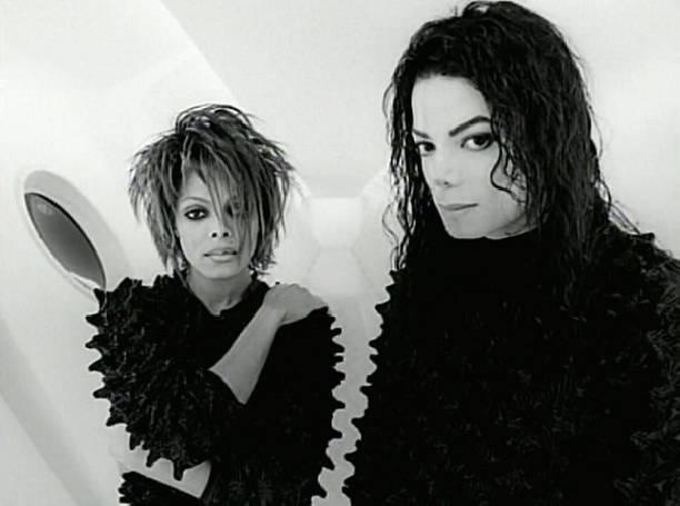 Сестра Майкла Джексона родила первенца в50 лет