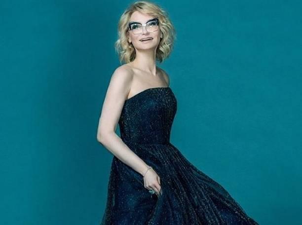 Эвелину Хромченко в новом образе невозможно узнать
