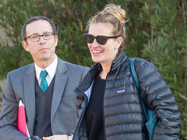 Джулия Робертс изменила мужу со своим агентом