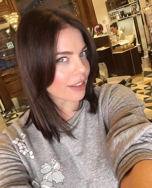 Беременная поп-певица Анастасия Стоцкая резко сменила стиль