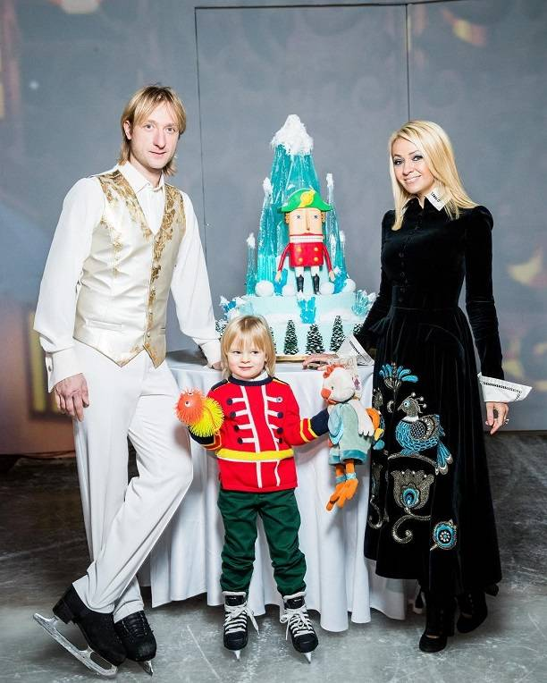 Рудковская показала семейное фото сПлющенко внижнем белье