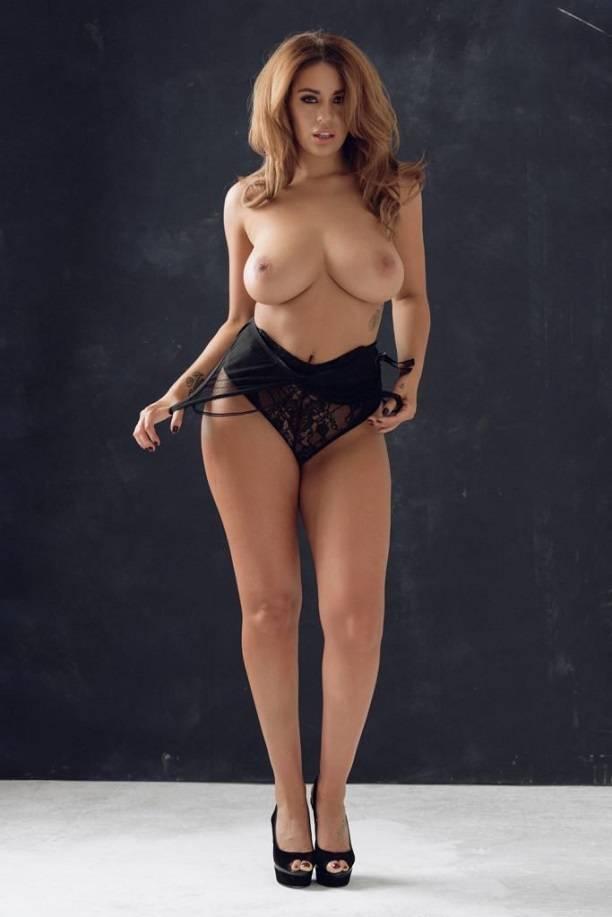 sredniy-golie-bolshegrudie-modeli-video-smotret