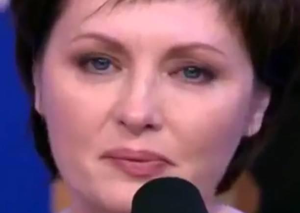 Избитая мужем Елена Ксенофонтова поведала отяжелой борьбе сраком