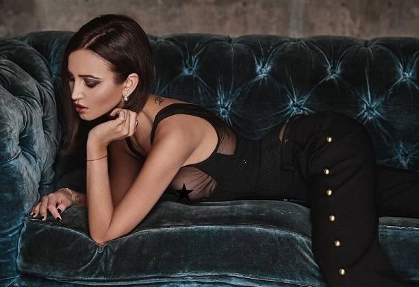 Модный фотограф опубликовал эротическую фотосессию Ольги Бузовой