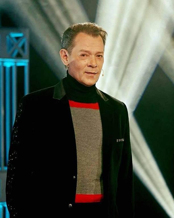 Суд признал фиктивным брак певца Казаченко споклонницей