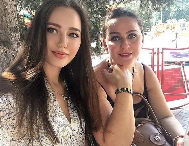 Новая «возлюбленная» Дмитрия Тарасова, Анастасия Костенко, поведала о«родах» в15 лет