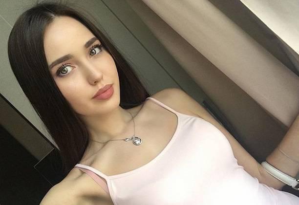 Любовница Тарасова высказалась орождении дочери в15 лет