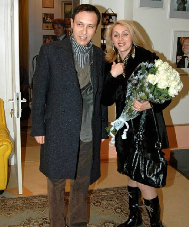 Руководитель госпитализированного Николая Носкова прокомментировала слухи оразводе певца