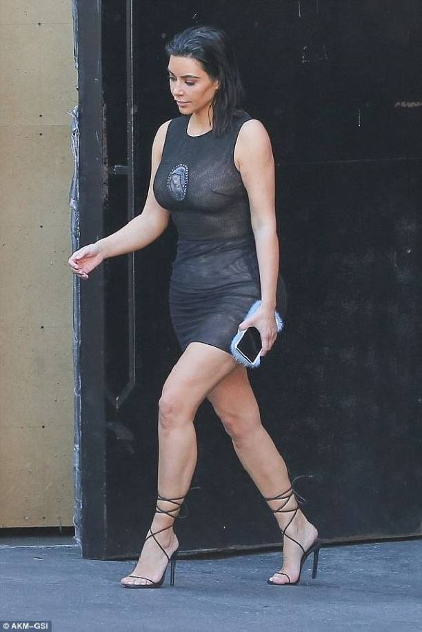Ким Кардашьян назвали богохульницей из-за пошлого наряда