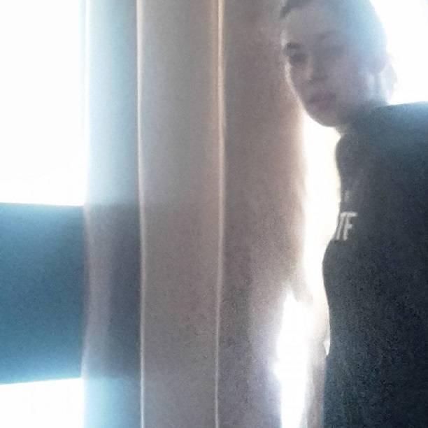 Семейная идиллия: Цыганов продемонстрировал Снигирь вдомашней обстановке
