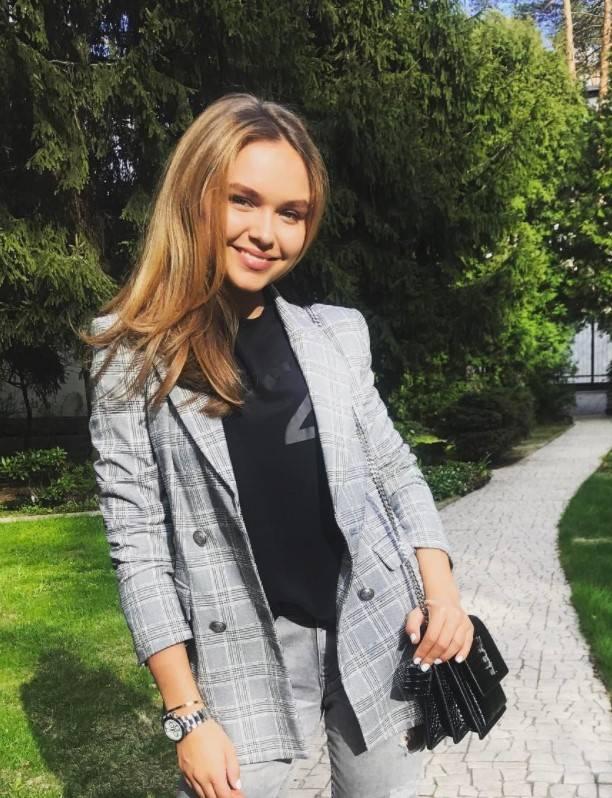 Стефания Маликова призналась, как готовилась ЕГЭ