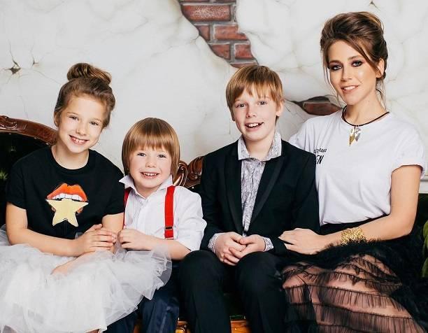 Юлия Барановская поведала оскорой свадьбе ирождении четвертого ребенка