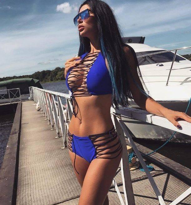 """Марина Майер устроила """"горячую"""" фотосессию в купальнике в Завидово"""