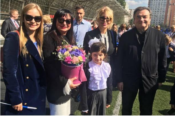 Юлия Пересильд призналась, что отцом ее дочерей является Алексей педагог