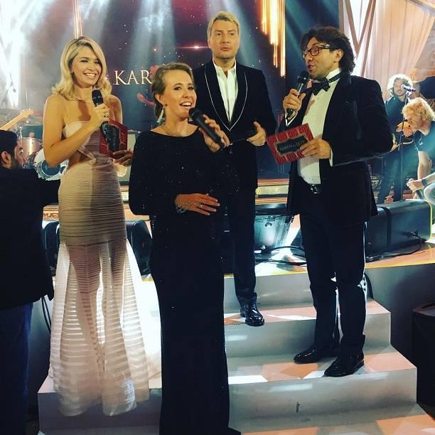 Алла Пугачева шокировала фанатов выступлением вмини-юбке
