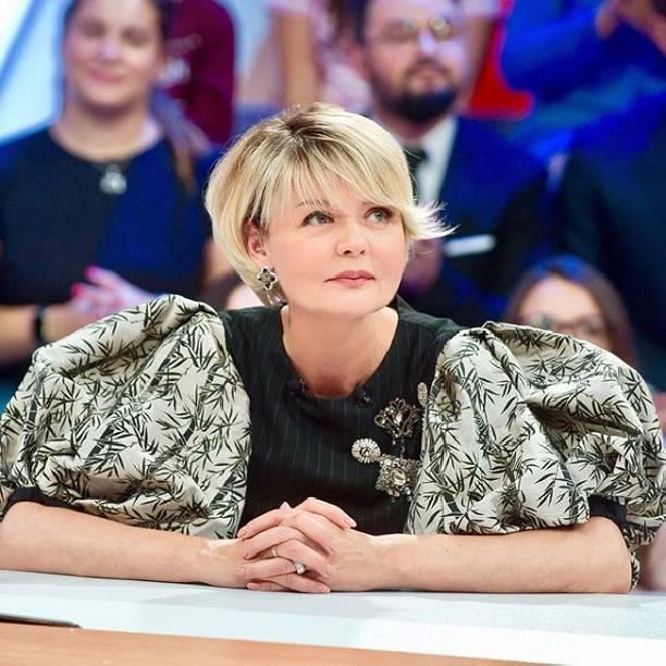 """Юлия Меньшова никак не может завоевать сердца поклонников телепрограммы """"Сегодня вечером"""""""